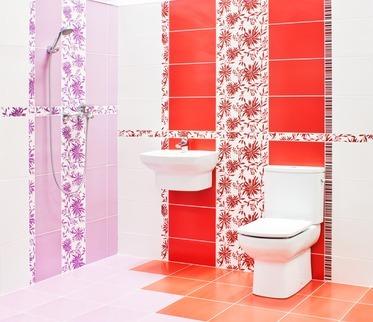 красный в ванной