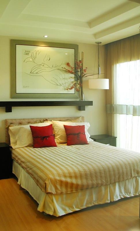 Как оформить стену над кроватью своими руками в спальне