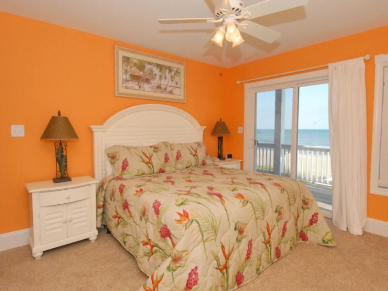 Оранжевый цвет стен