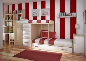 Двухъярусный мебельный блок. Расположение спальных мест более удачное, чем в классических двухъярусных кроватях. С сайта digsdigs.com