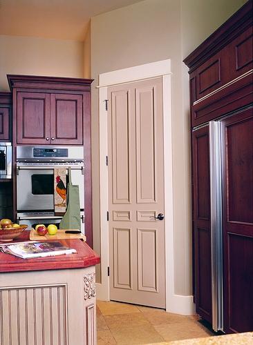 Сочетаем цвет двери и мебели