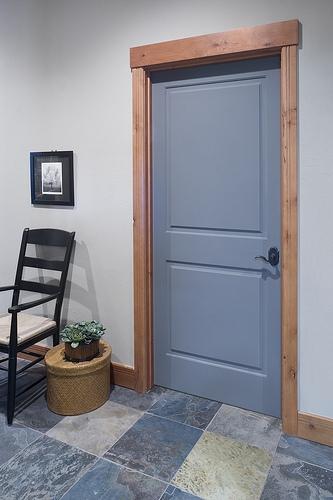 Дверь сочетается с полом