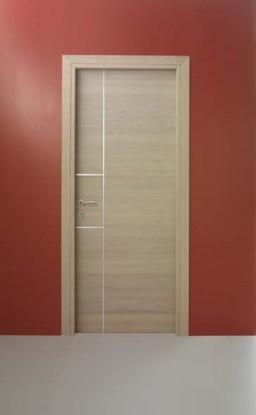 Нейтральный цвет двери