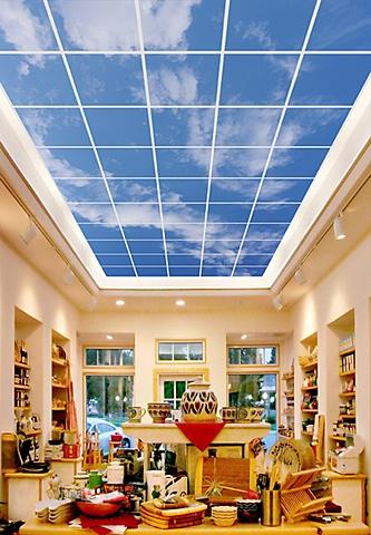 Фальшивое окно в небо на потолке