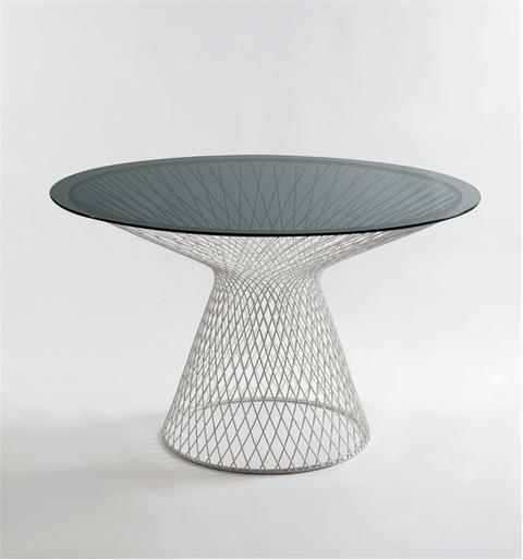Круглый обеденный стол со стеклянной столешницей