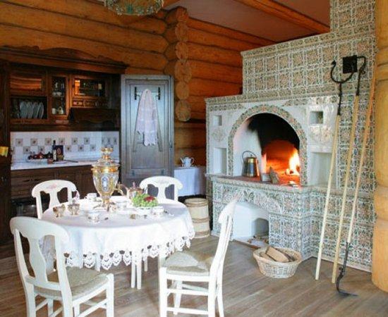Интерьер деревенского дома внутри