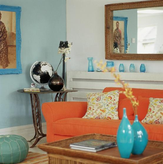 синий сочетается с оранжевым