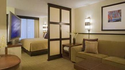 зонирование в спальне гостиной