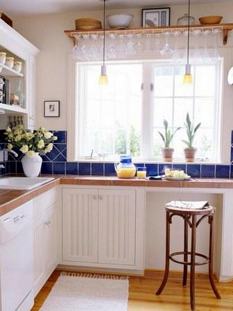 мини столик на кухне