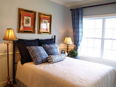 клетчатые шторы в спальне