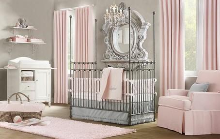 серо-розовая комната