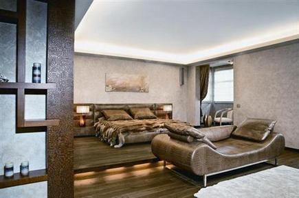 кожаная кровать в африканской спальне