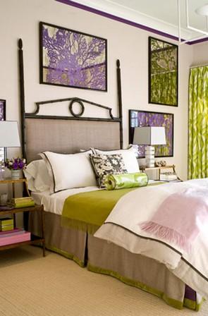 фиолетовые и зеленые оттенки в спальне