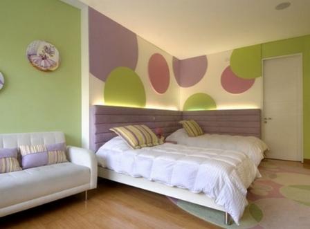 зелено-фиолетовая деская комната