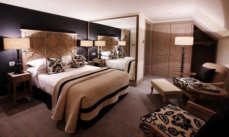 светильники в интерьере спальни