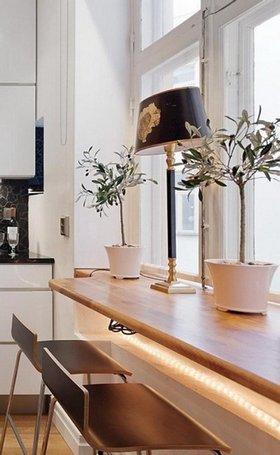 подоконный столик для маленькой кухни