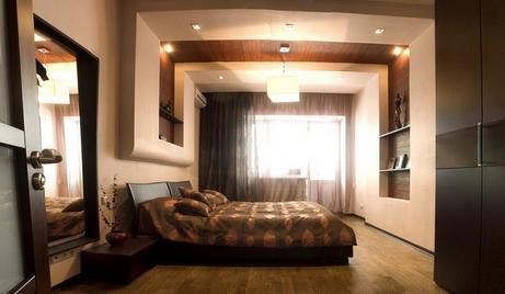 коричнево-бежевая спальня