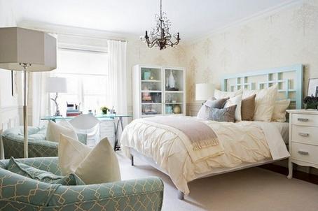 интерьер спальни в кремовом цвете