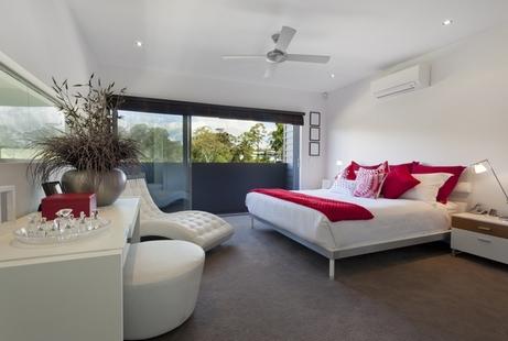 бело-красная спальня