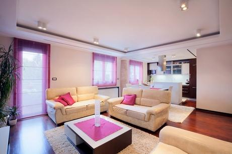 розовые акценты в гостиной