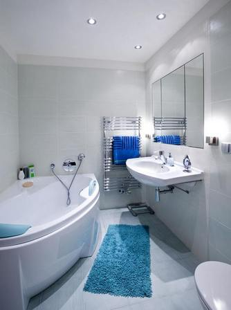 бело-синяя ванная