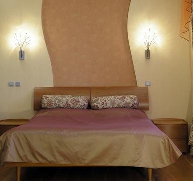 подушки валики на кровати