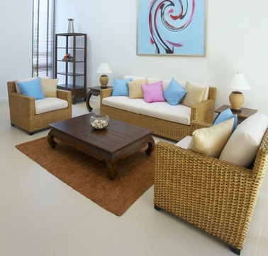 разноцветные подушки в интерьере