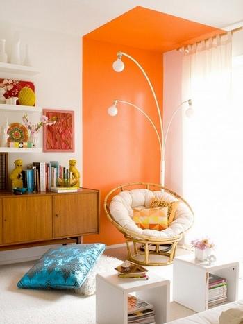 оранжевая стена