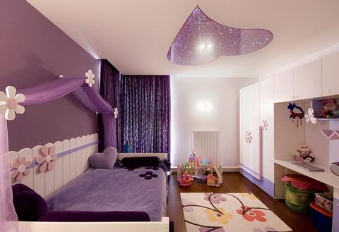 потолок в детской комнате девочки