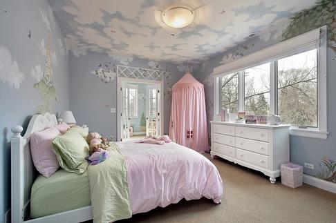 небо на потолке в детской комнате