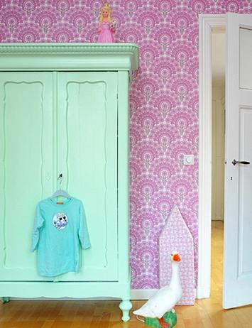 шкаф мятного цвета