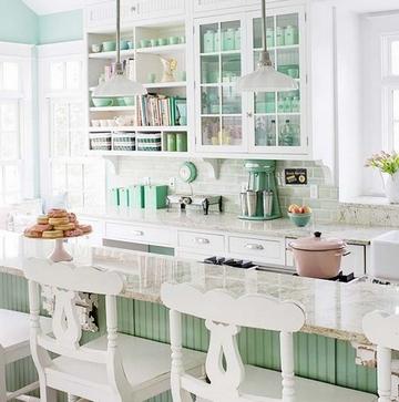бело-мятная кухня