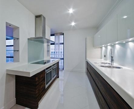 узкая кухня светлый верх - темный низ