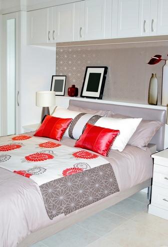 Дизайн узкой спальни, Домфронт