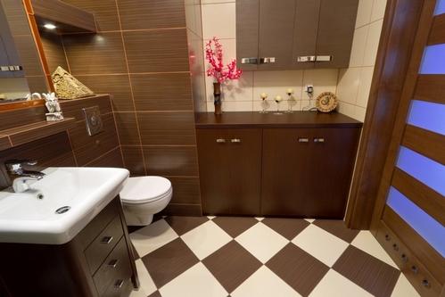 дизайн ванной в коричневом цвете