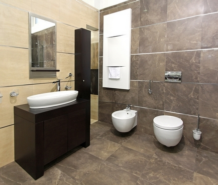 дизайн ванной с коричневой плиткой