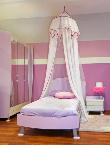 балдахин в комнате девочки