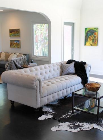 диван честерфилд в современном интерьере