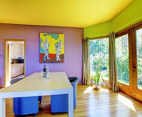 разноцветный интерьер в стиле ретро