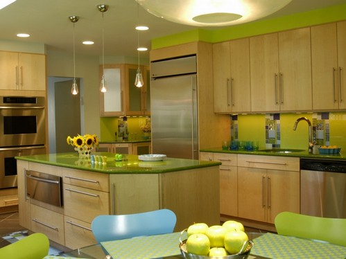 зеленая столешница на кухне