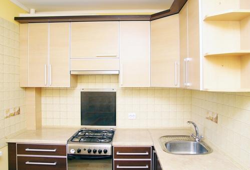 столешница к бежево-коричневой кухни