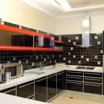 черная кухня с белой столешницей