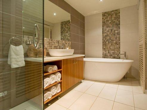 сочетание плитки в ванной