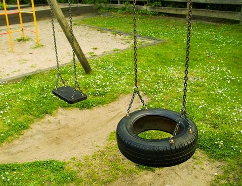 детская площадка за городом