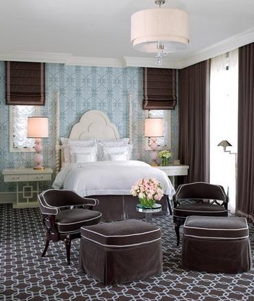 темно-коричневые шторы в спальне