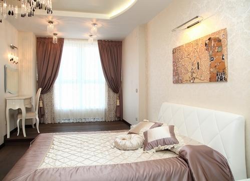 коричневые занавески в спальне