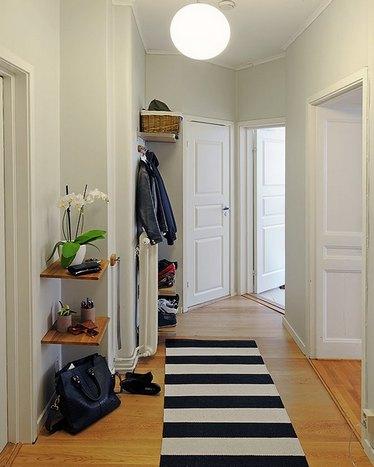 как оформить пустой угол в коридоре