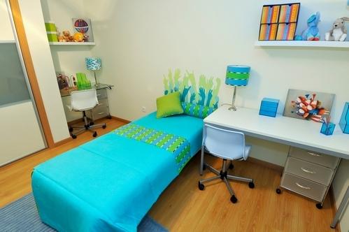 голубой и зеленый в детской комнате