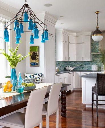 голубой декор на кухне
