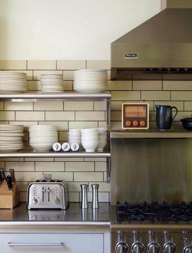 плитка метро в интерьере кухни